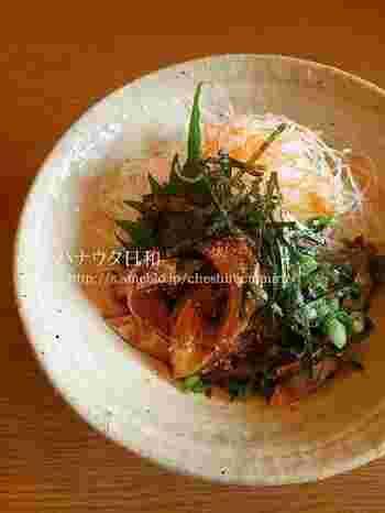 作り方は、醤油、ゴマ、みりん、日本酒で作ったタレに、お刺身を漬け込んでおくだけ。ごはんにも合います。