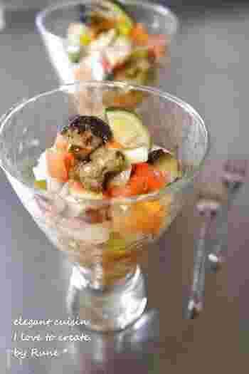 さざえの旬は、3~7月頃だとか。壺焼きが一般的ですが、たとえばこんなカリビアン風のおしゃれなサラダはいかがでしょう?すだちの果汁を加えて爽やかさに。和食膳に添えるのも華やかでいいですね。