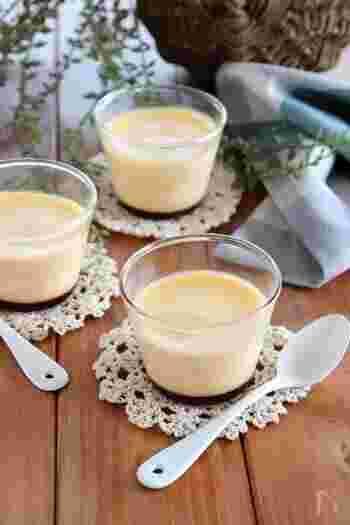 こちらのレシピでは、火の通し方を工夫することで柔らかめに蒸します。フライパンにキッチンペーパーを敷いて容器を置くのがポイント!ぜひ乳脂肪多めの生クリームを使って、クリーミーに美味しく仕上げましょう。