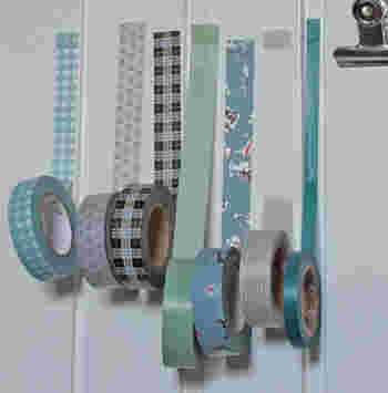 さらにびっくり!壁に貼ったまま収納するという面白アイディア♪ キレイにはがれるマスキングテープの特性を生かした飾り方ですね。