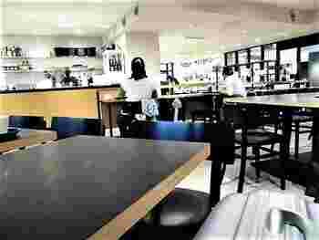 グランスタ内にある「GARDEN HOUSE CAFE(ガーデンハウス カフェ)」は、朝7時からオープンしているので、朝食を食べながら新聞を読んだり、お仕事をしたりと朝活するのも良いですね。