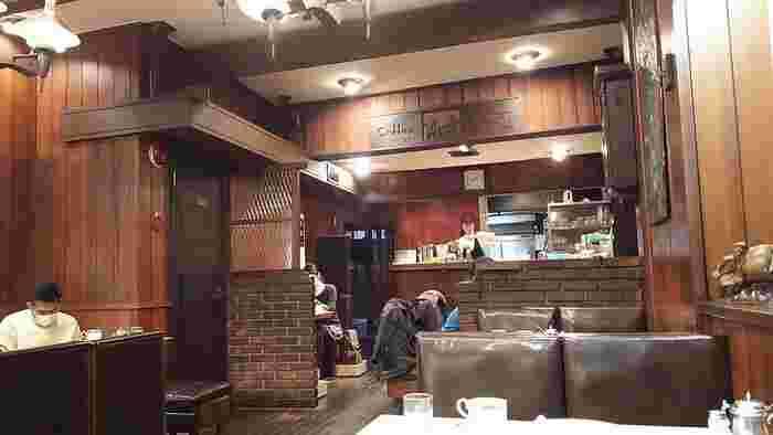 こちらのお店もレトロ情緒を心ゆくまで楽しめます。 オンラインショップもあり、オリジナルブレンドコーヒーやオリジナル食器などを扱っています。