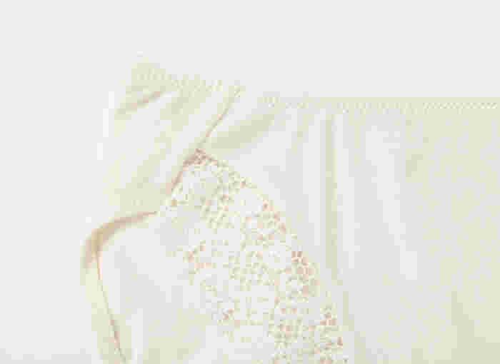 足口は袋縫いになっており、デリケートゾーンをやわらかく仕上げています。冷えの気になるおなか部分が2重になっているのもうれしいポイント♪