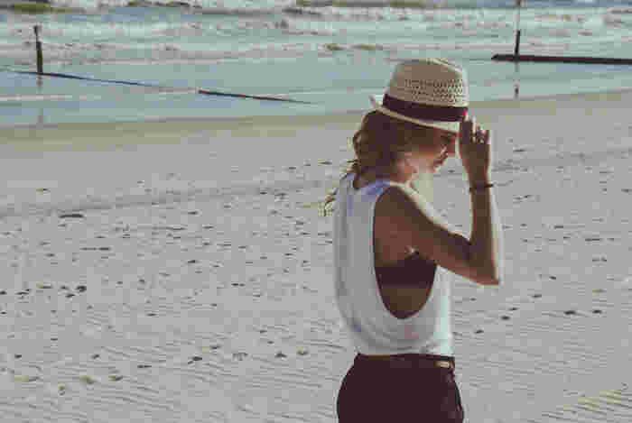 オシャレに髪の紫外線対策をするなら、帽子がおすすめです♪ お気に入りの帽子をいくつか揃えておくと、毎日のコーデも楽しくなりそうです。