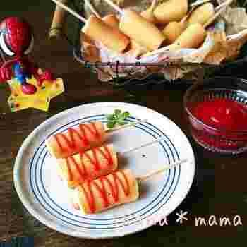 子供たちが大好きなアメリカンドッグも、フライパンであっという間に出来上がり。こちらのレシピは20本分。たくさん作ればパーティー料理としても使えそうです。
