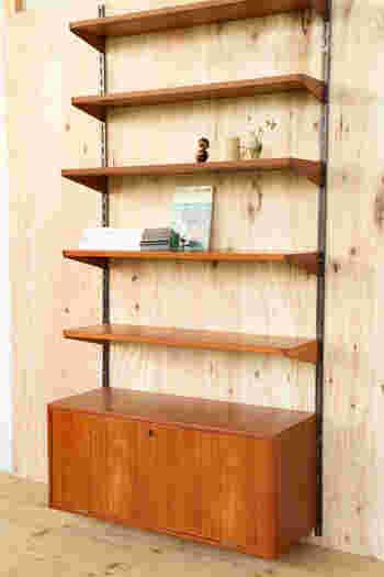 誰もが憧れる部屋へ変身させてくれるデンマーク家具。カイ・クリスチャンのウォールユニットは、見せたい収納と見せる収納を1つにした存在感のある逸品です。見つけたら手に入れたい憧れのインテリアなので、リビングなどメインの部屋に是非♪