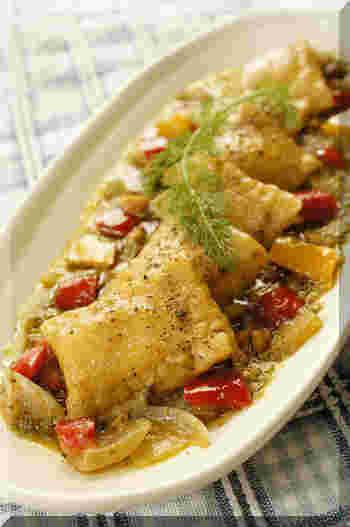 くるみが決め手の深みのあるソースでお箸が進みそうなレシピです。  パプリカ、バジル、ポルチーニの組み合わせで色味も綺麗でパーティーレシピとしても活躍できるでしょう。