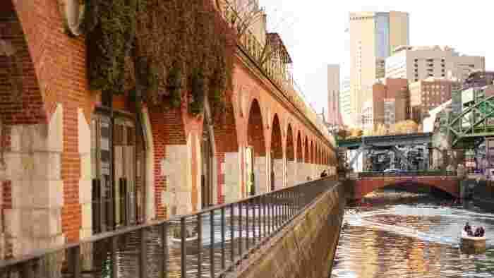 """歴史を感じさせる、重厚なレンガ造りが魅力的な""""マーチエキュート神田万世橋""""。 その中にインテリアショップ『haluta(ハルタ)』神田店はあります。"""