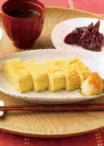 ■ たっぷりおだしの玉子焼き  朝ごはんの定番、だし巻き卵は是非マスターしたいメニューですね。だし汁がたっぷり入った優しい味は、大根おろしがアクセントになって、幸せな気分にさせてくれます。