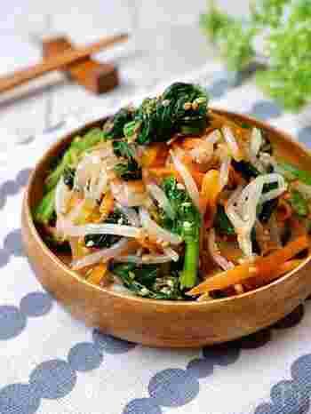 レンジでパパッと作れるのでとってもお手軽。そのまま副菜として食べるもよし、ビビンバ用のナムルとして使ってもOKです。(冷蔵保存2~3日)